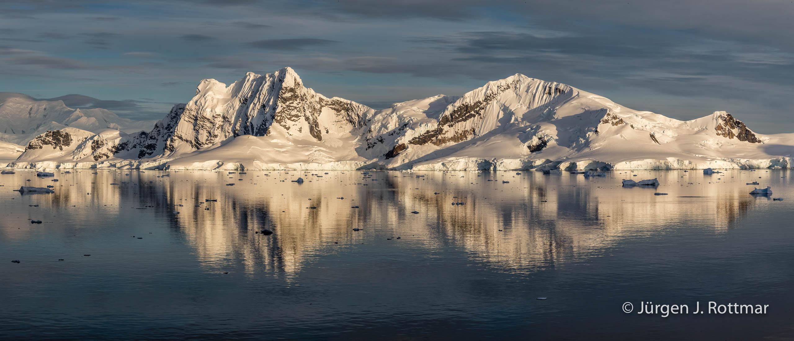 Juergen J Rottmar Antarctic Peninsula M2I1246 Pano Bearbeitet